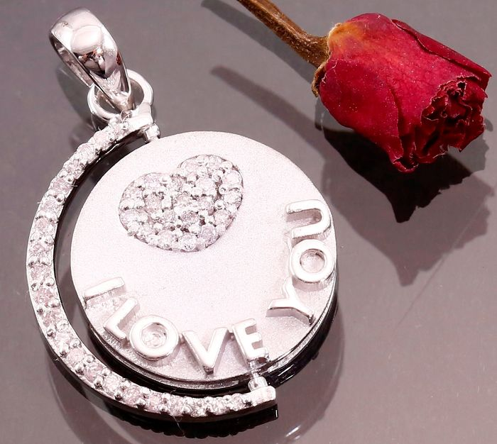 """ I Love you "" Revolving Pendant in White Gold, certified 0.82 Ct. With PINK diamonds"