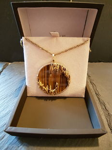 18kt Yellow Gold Tiger Eye Pendant and Necklace (Ladies)-Total Weight 63,16grs. Necklace Total Length 86,5cm