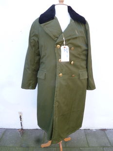 Russian officer's coat for cold weather