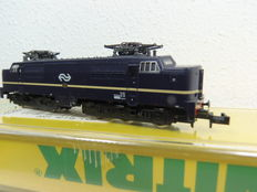 Minitrix N - 12828 - diesel locomotive 1200 series of the NS, blue with yellow stripe