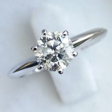 0.87 ct Round Brilliant Cut Diamond Engagement Solitaire Ring