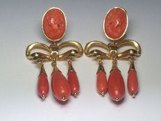 Gold earrings with Mediterranean red coral # No reserve #