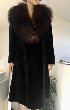 Exclusive sheared mink coat, with a large fox fur collar - Hand made in Italy