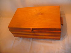 Gorgeous wooden sewing box - Made in GDR.