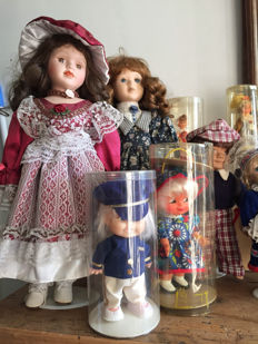 Large collection of more than 200 various dolls