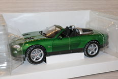 Ertl - Scale 1/18 - Jaguar XKR Roadster - James Bond 'To Die Another Day'