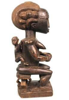 Finely carved Maternity - BAULE - Ivory Coast