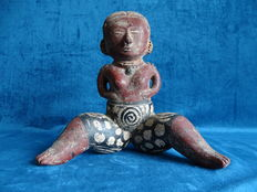 Painted terracotta statue of the Nayarit culture - 25 cm