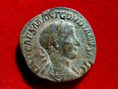 Roman Empire - Gordian III (238-244 A.D.) bronze sestertius (15,18 grs. 29 mm.). Rome mint, A.D. 239. P M TR P II COS P P. Gordian in military dress advancing.