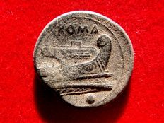 Roman Republic - Anonymous (semilibral) uncia (11,65 g. 25 mm.). Rome mint, 217 - 215 B.C. Rome head / prow of galley. ROMA.