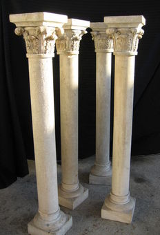 A set of 4x carved limestone pillars with Corinthian capitals - Italy - second half of the 18th C