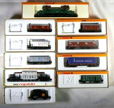 Arnold N - 2310/0501/0427/0443/0491/a.o. - Goods train with electric loco BR194 from the DB and 9 carriages