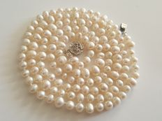 Long Natural Cultured Freswater Pearl Necklace