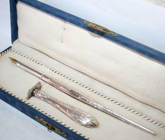 Rare Antique Sterling Silver Padded Writing Case with Minerve Hallmark Antique Napoleon III 18 Carat Gold Number 36 Nib