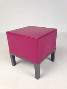 """Arne Quinze for Quinze & Milan – """"Primary Pouf 01"""" in magenta colour."""