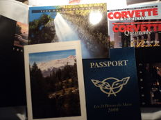 16 Chevrolet Corvette and Chrysler brochures and booklets - 2000/01