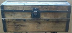 Antique wooden trunk - Italy - second half of the XIX century