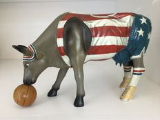 Cow Parade Cow Parade-Bess Bovine-Basketball Cow-Resin-large and RETIRED!