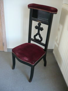 Solid wooden personal church chair - Belgium - presumably end 19th-early 20th century