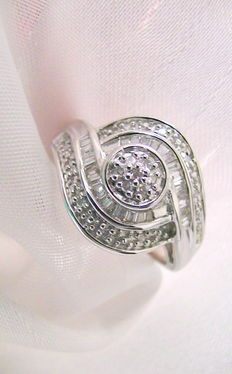 Ring with 44 diamonds of approx. 0.25ct in total. Cocktail ring 925 silver, rhodinated
