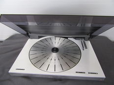 Bang Olufsen turntable Beogram & 6500 with new belts and needle.