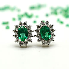 Gold earrings with emeralds and brilliant cut diamonds, totalling 1.33 ct ** NO RESERVE **