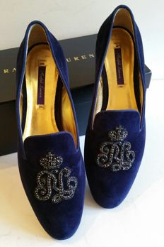 Ralph Lauren – embroidered moccasins in velvet and gold leather