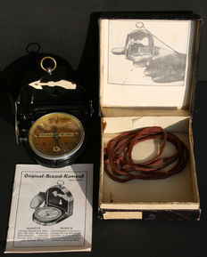 Original Wehrmacht, Third Reich Bezard Compass, incl. box and instructions - never used! - 1933-1945. WWII