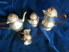 Set in silver plated pewter 1940