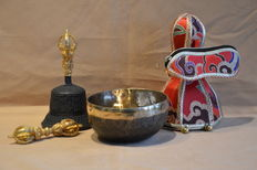 Set of old Singing Bowl and Bell & Dorge - Nepal - 21st century