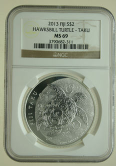 "Fiji – 2 Dollars 2013 ""Hawksbill Turtle – Taku"" 1 oz silver in slab"