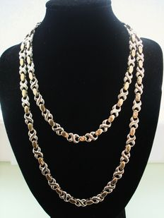 Vintage 1970s – AFJ - USA - Unisex Gold plated X and O Long Single Strand Necklace / Chain