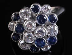 Very exclusive white gold designer ring, 1.8 ct diamond, 1.5 ct sapphire