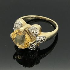 Gold ring 9 kt with topaz - NO RESERVE