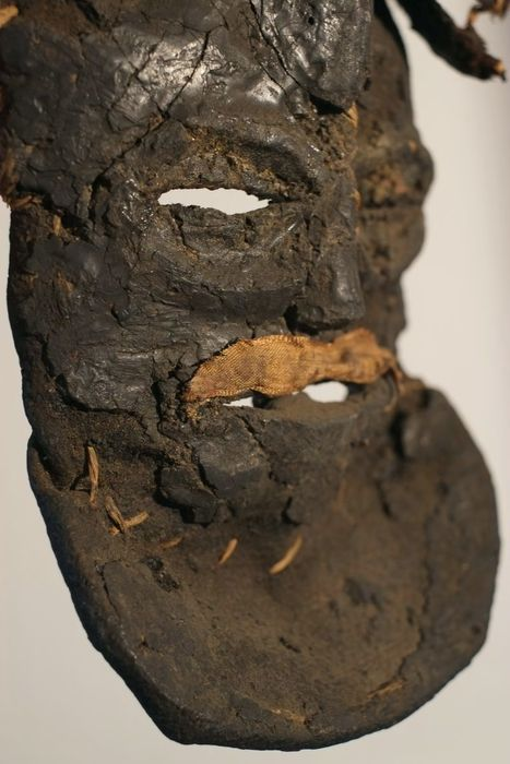 Kalelwa mask fiber and resin mask- TSCHOKWE - D.R. Congo