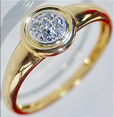 2.53 g 18 kt yellow gold women's ring with 5 diamonds (0.04 ct) in mint condition* no reserve price *