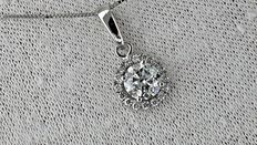1.06 ct round diamond pendant in 14 kt white gold *** no reserve price **