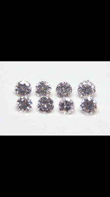 Lot: 8 diamonds, 0.23 ct in total