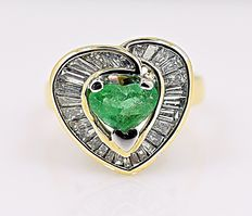 Heart Emerald and Diamonds ring - No reserve price!