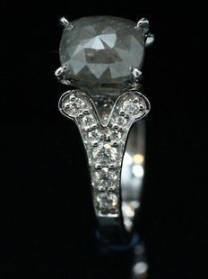 Diamond ring, 1.58 ct with Official certificate. - NO RESERVE