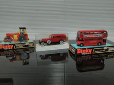 "Dinky Toys/Solido - 1/38 - 1/43 - 1/66 - Aveling Barford Diesel Roller Number 279, Routemaster Bus Esso Number 289, Cadillac ""Sellers Fire Dept."" Number 4075"