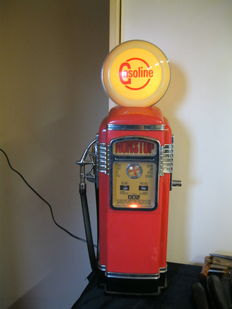 Gasoline fuel pump - with radio and cassette - 60 cm