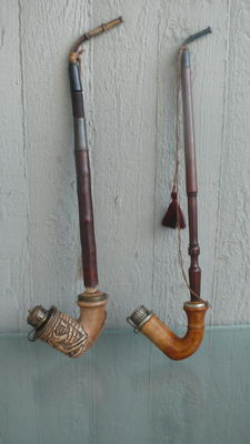 Lot with 2 pipes - around 1810