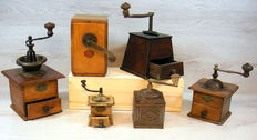Antique coffee grinder collection - various materials - Netherlands - first half of 20th century