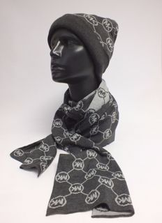 Michael Kors - Scarf and Hat Set