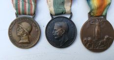 3 bronze World War I medals, Commemorative Medal of the Italo-Austrian war 1915-1918------medal- Victor Emmanuel III° unification of Italy -1848-1918---- Allied Victory Medal (Italy) 1915-1918