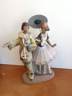 Lladro- Costumed Couple. n. 2218