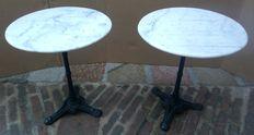 Pair of round bistro tables - Cast iron and white marble - Italy - 1950s