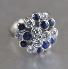 Very exclusive white gold designer ring, 1.8 ct diamond, 1.5 ct sapphire - Size 16½