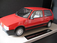 Top Marques Collectibles - 1/18 scale - Fiat Uno Turbo 1984 - Red